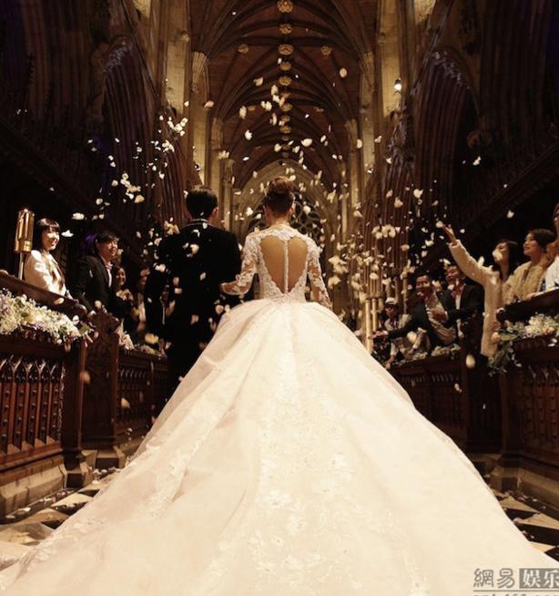 Jay Chou Dream Wedding Singapore Top Bridal Gossip Monday Article Boutique London Long Train