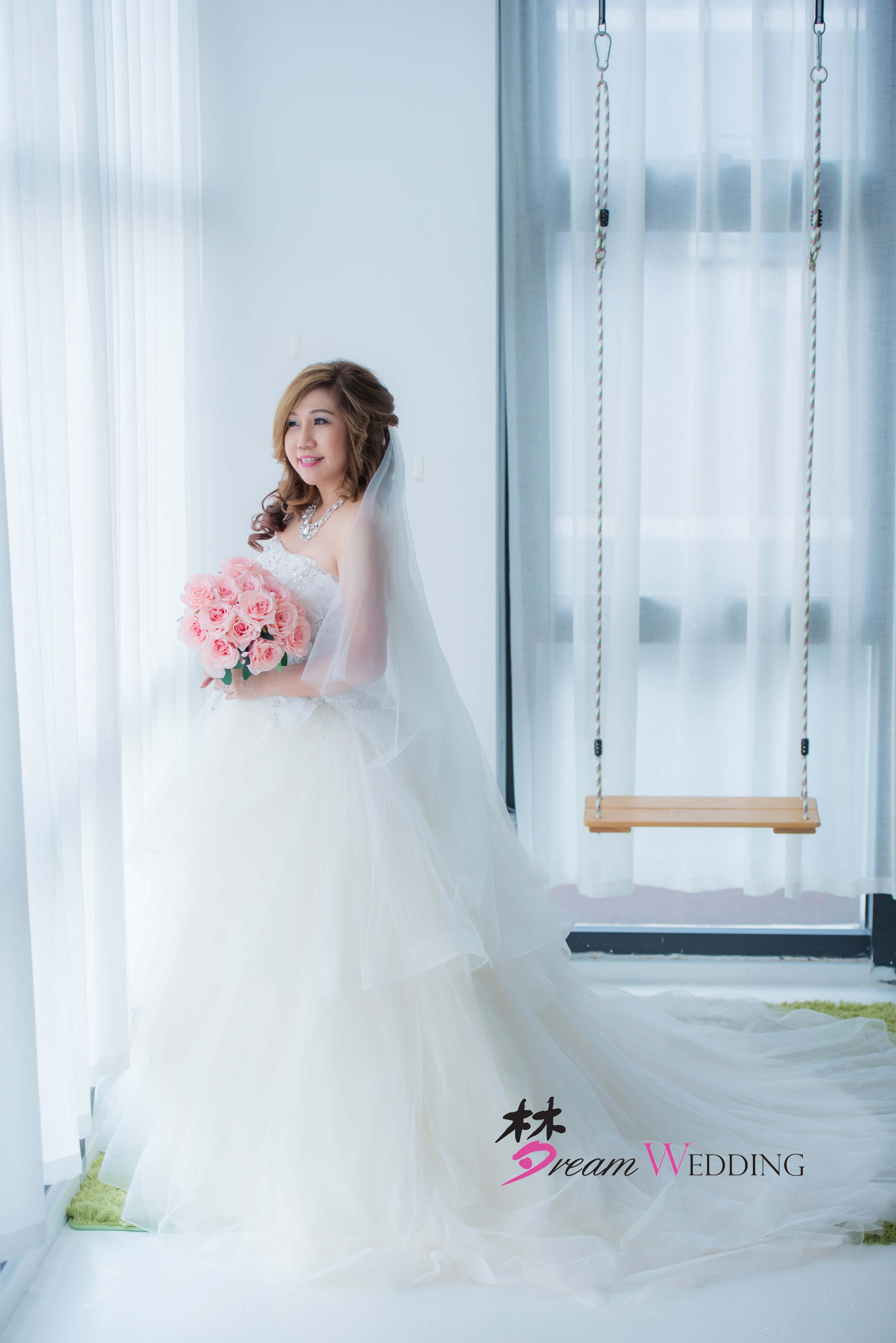 Samuel & Feon Singapore Indoor Pre Wedding Photography - Bridal, Photography, Gown Rental